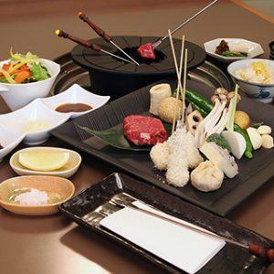 日本料理「雲海」で楽しむオイルフォンデュ